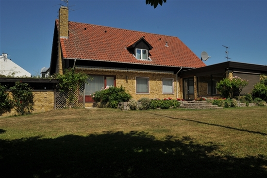 308 m2 villa i Klampenborg til leje
