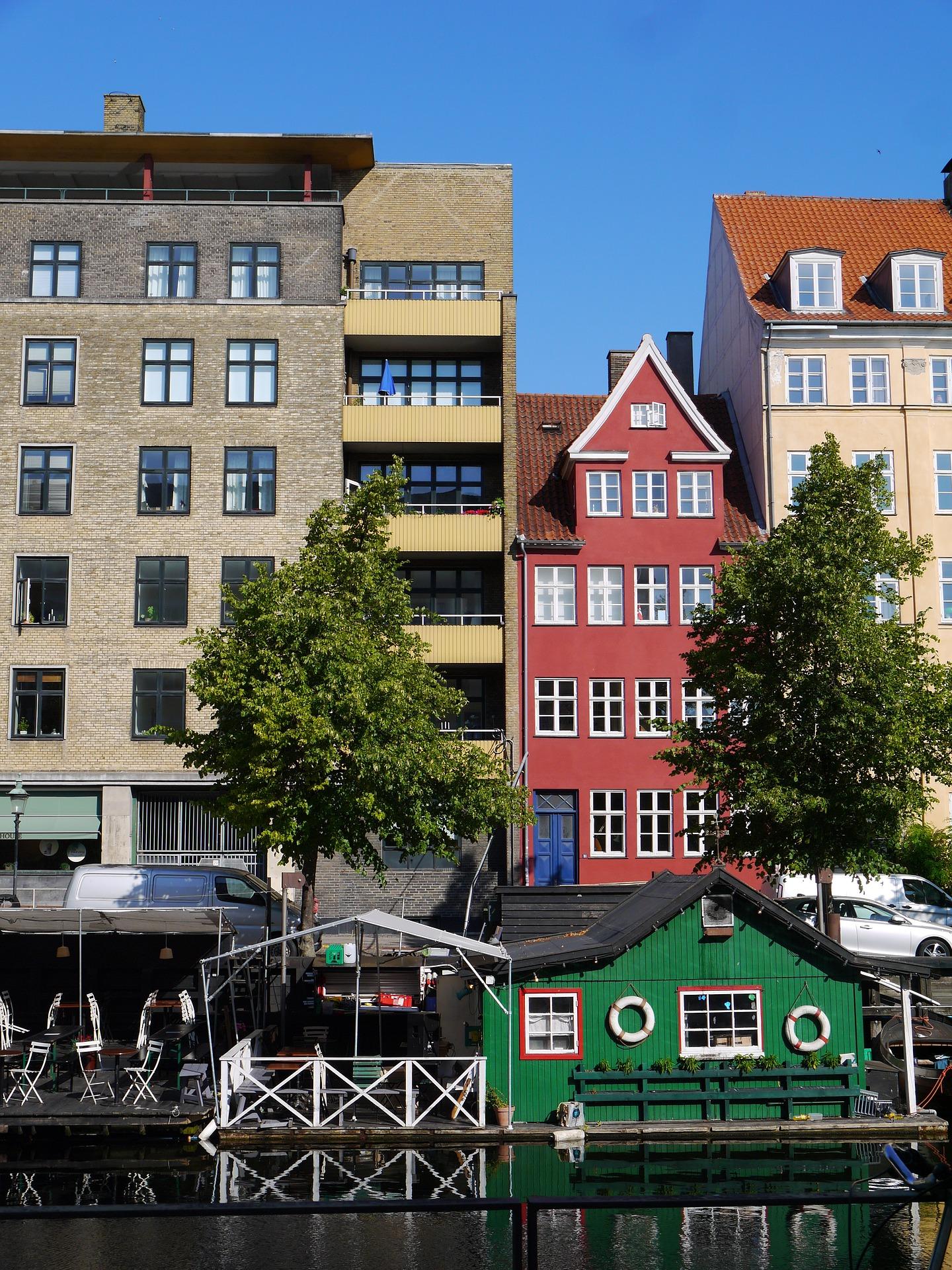 Lejebolig i Hørsholm . Se lejeboliger - ledige lejligheder og huse til leje - i Hørsholm.